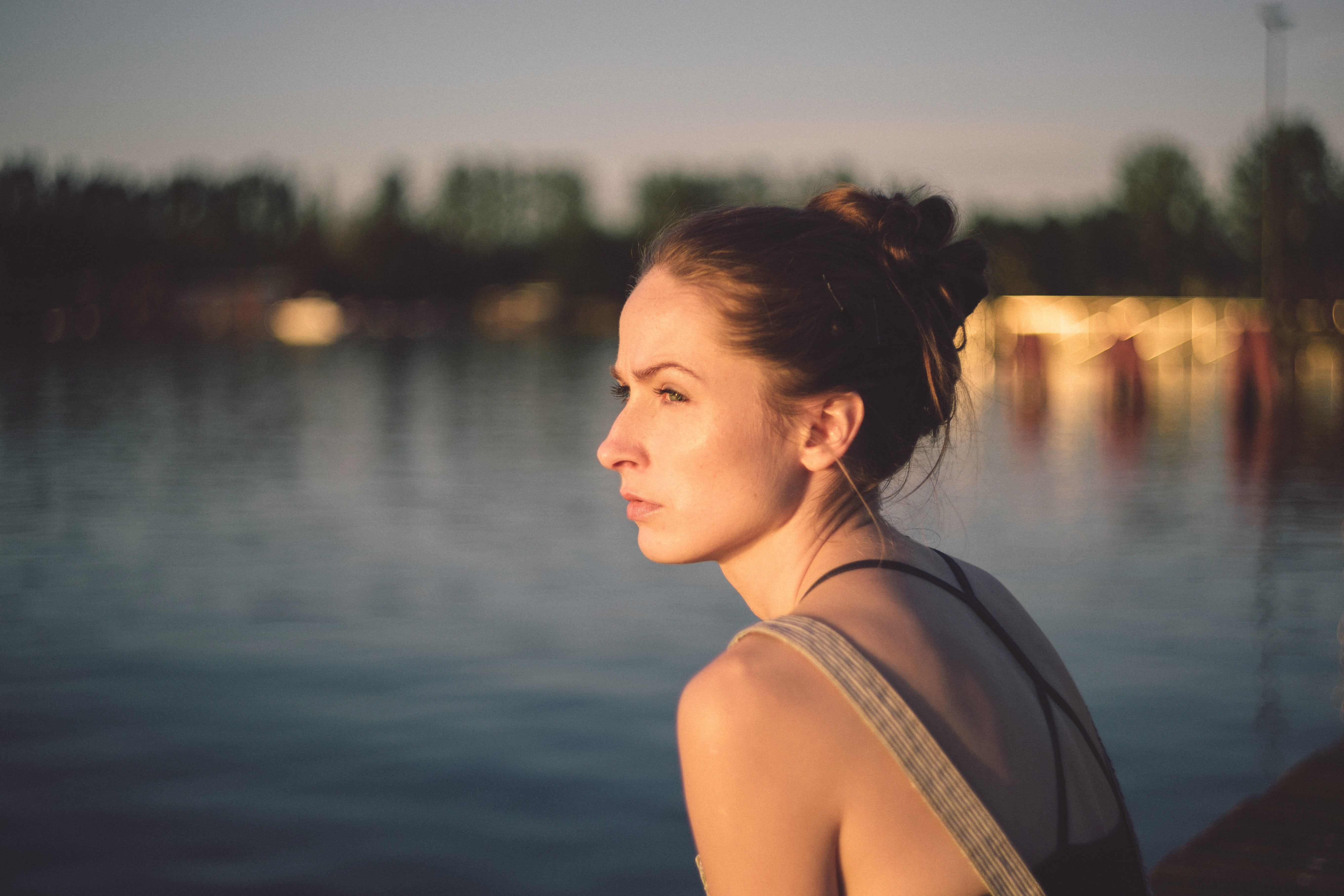 healing from depression woman watch sunset